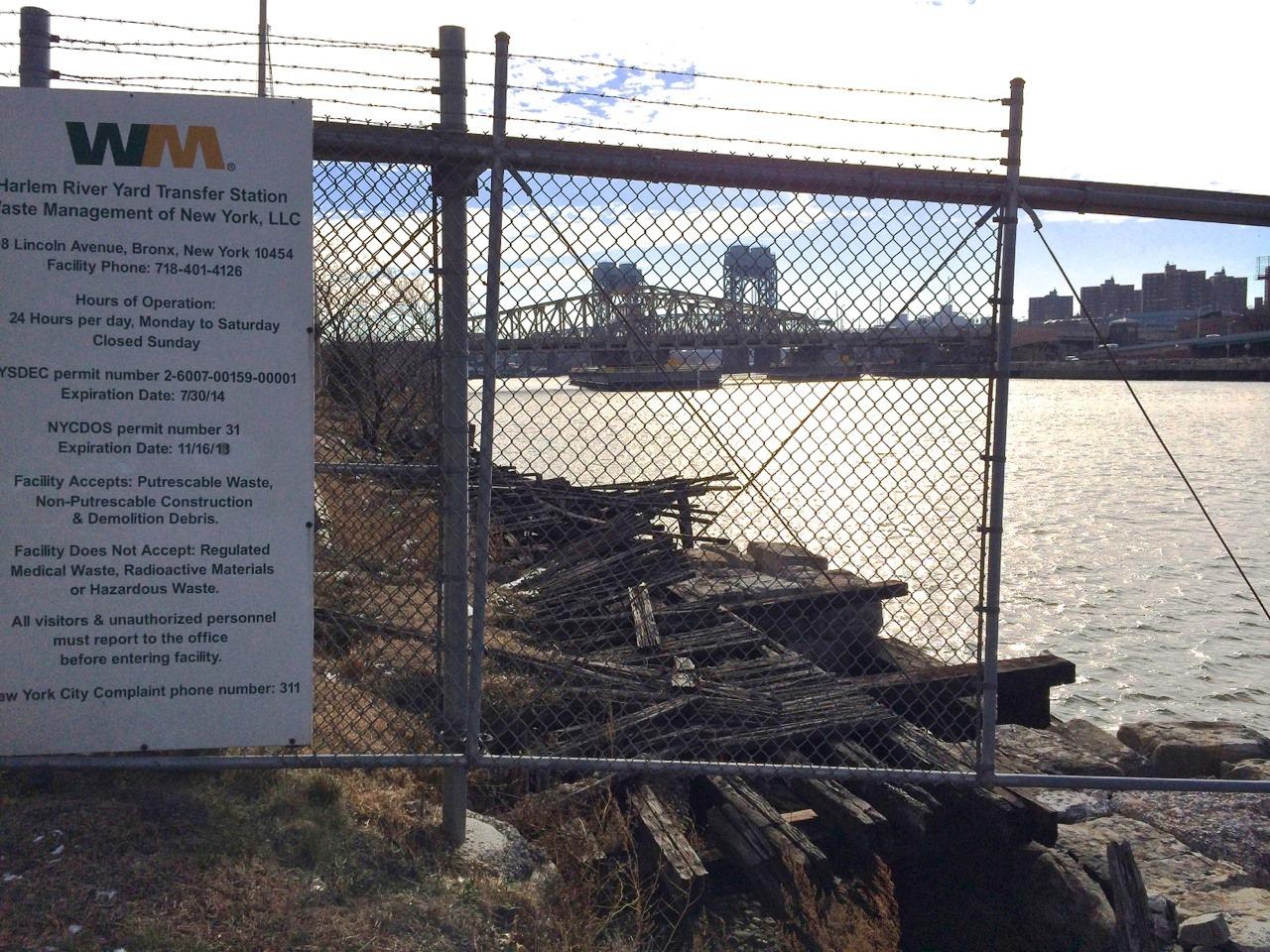 Bulkhead crumbles into Harlem River
