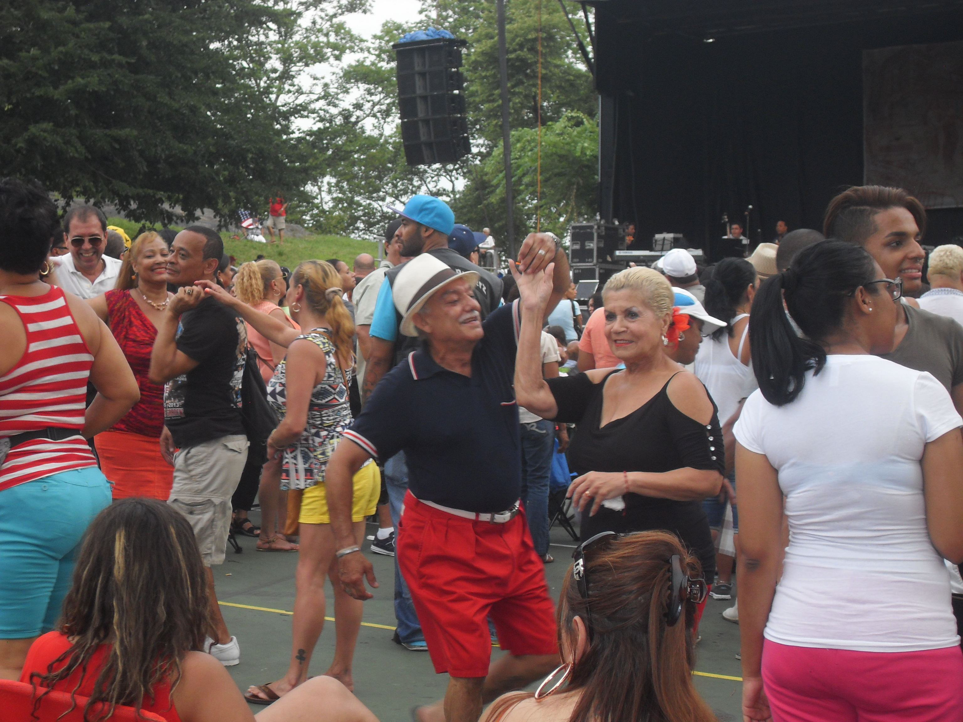 """""""El Canario"""" captivates St. Mary's crowd"""