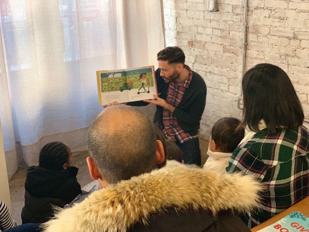 Virtual bookstore brings local families together
